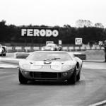 La GT40 Mk.I de Lucien Bianchi et Pedro Rodriguez, vainqueurs au Mans 1968.