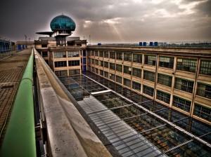 La cour intérieure du Lingotto, qui accueille désormais un centre commercial (CC The Bode/flickr)