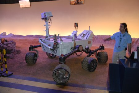 Le rover Curiosity de la mission Mars Scientific Laboratory (MSL) © Vincent Desmonts