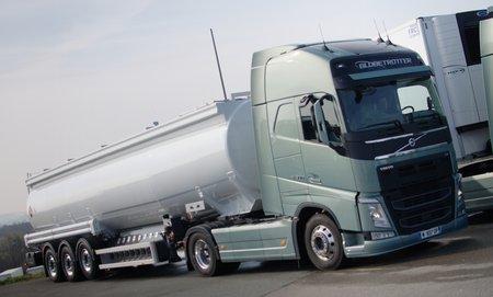 """Le Volvo FH dans un remake de """"Duel""""."""