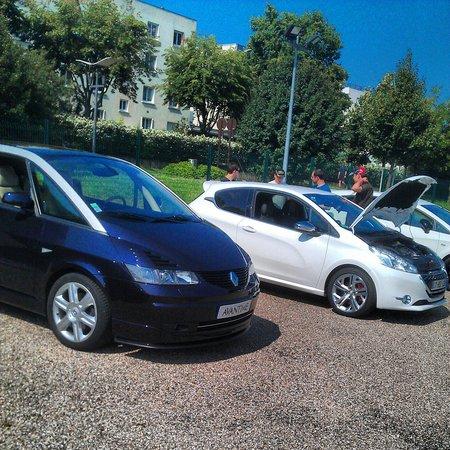 Renault Avantime et Peugeot 208 GTI
