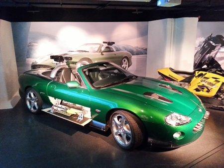 La Jaguar XKR pilotée sur la banquise par Zao, l'homme de main de Gustav Graves dans «Meurs un autre jour» (2002).