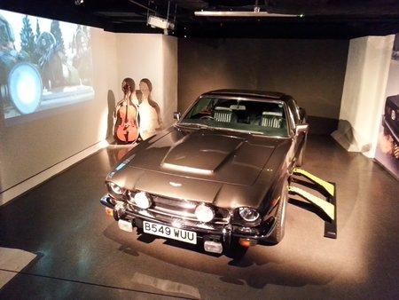 L'Aston Martin V8 de «Tuer n'est pas jouer» («The Living Daylights», 1987).