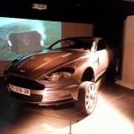 """L'Aston Martin DBS sévèrement éprouvée par le tournage de """"Casino Royale"""" (2006)."""