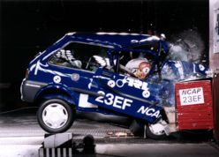 La Rover 100 au crash-test Euro NCAP (1997)