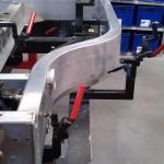 Les longerons latéraux sont les seules parties du châssis qui sont livrées toutes prêtes © Vincent Desmonts