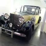 La Rolls-Royce Phantom III de Goldfinger (1964), conduite par l'inquiétant Oddjob.
