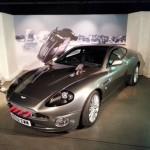 """L'Aston Martin Vanquish de """"Meurs un autre jour"""" (""""Die another Day"""", 2002)."""
